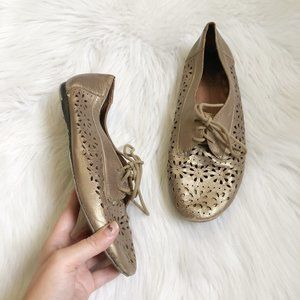 LUCKY BRAND Christa Laser Cut Oxford Gold Lace Up